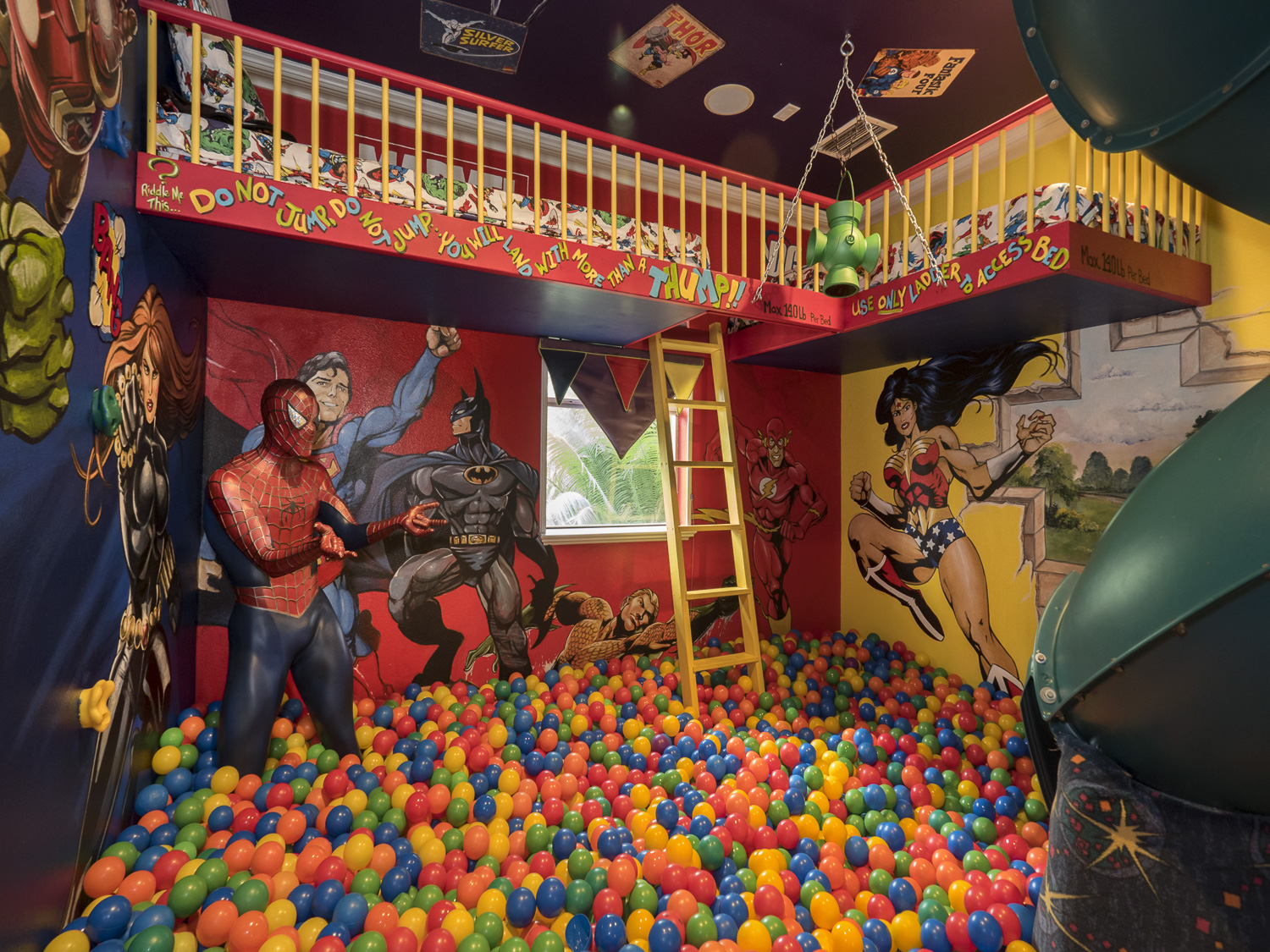 ballpit bedroom - Marvel Vs. DC superheros at Ever After Estate
